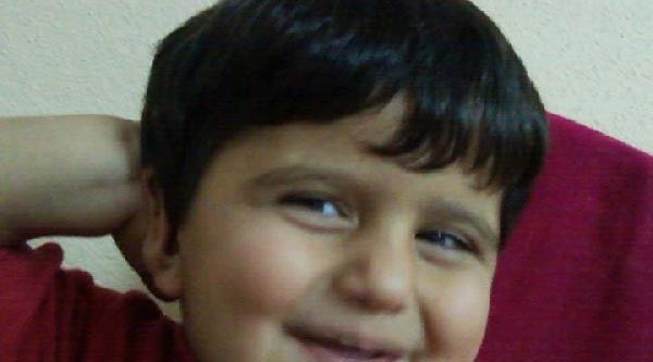 Kaza Kurbanı Küçük Çocuk Toprağa Verildi