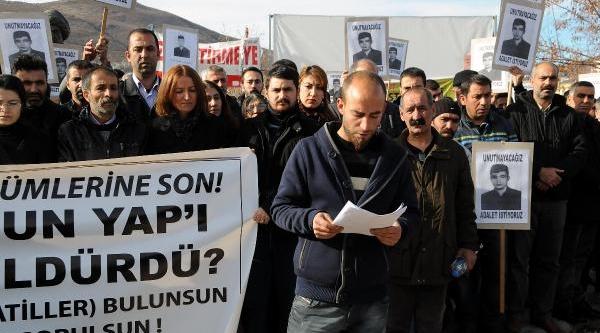 Kaza Sonucu Ölen Asker Için Tunceli'de Protesto Yürüyüşü