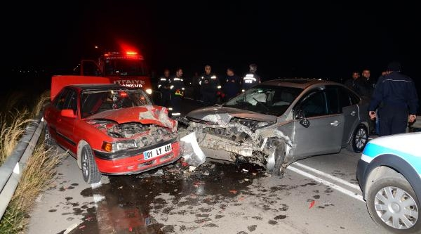 Kaza Yapan Sürücü Otomobilibirakip Kaçti