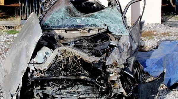 Kazada 4 Üniversiteliden 2'si Öldü, 2'si Yaralandi Fotoğraflari