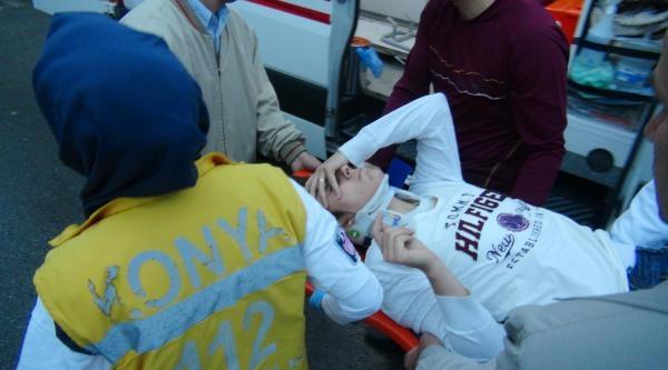 Kazada Anneleri Yaralandı, Babalarının Kucağından İnmediler