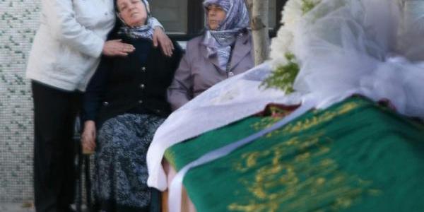 Kazada Hayatini Kaybeden Folklor Eğitmeni Toprağa Verildi