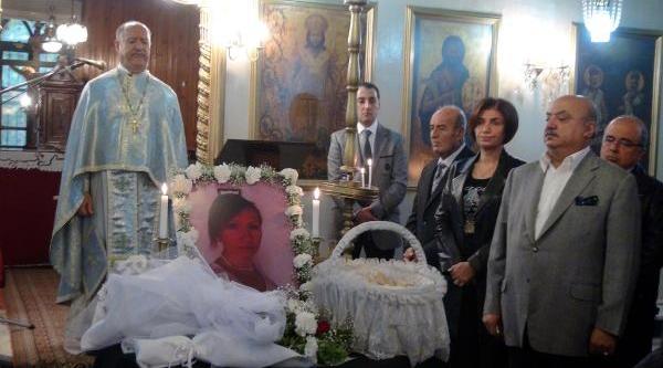 Kazada Ölen Piyano Öğretmeni Kilisedeki Ayinde Anildi