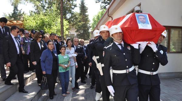 Kazada Ölen Polis Memuruna Hüzünlü Tören