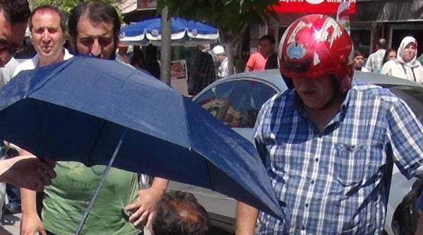 Kazada Yaralanan Kadına Şemsiyeli, Yelpazeli Serinlik