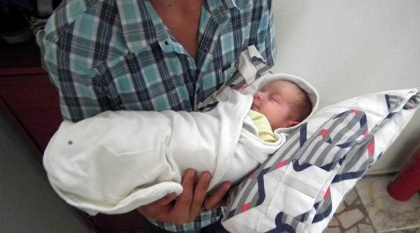 Kazada Yaralanan Münevver Şener Yaşama Tutunamadı, Geride 'umut' Bebeği Kaldı