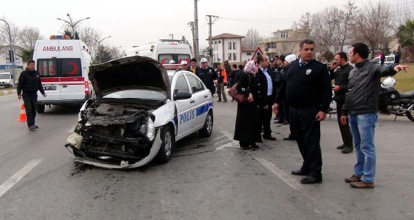 Kazaya Müdahaleye Giden Polisler Kaza Yapti: 3 Yarali