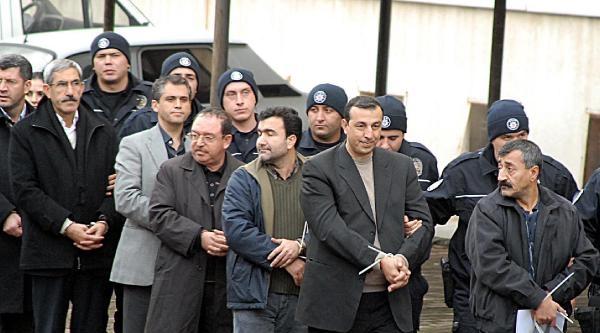 Kck'da Kelepçelenen Başkanlar: Polislere Kelepçe Takılmasını Doğru Bulmuyoruz