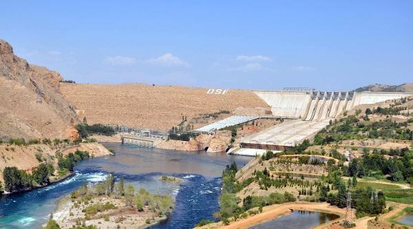 Keban Barajı'nda Elektrik Üretimi Yüzde 50 Düştü