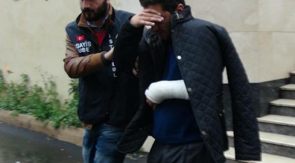 Kendilerini Polis Olarak Tanitan Hirsizlar Yakalandi