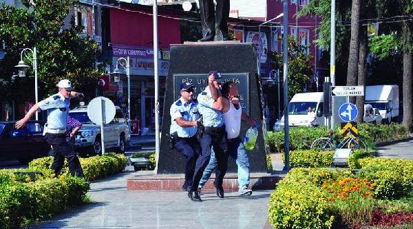 Kendini Yakmak İsteyen Babayı Polis Böyle Yakaladı