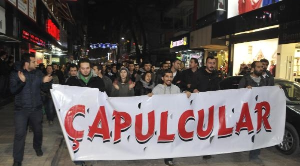 Kent Merkezinde Slogan Atip Protesto Gösterisi Yaptilar