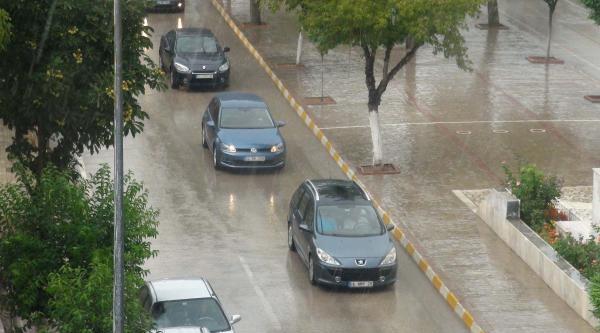 Keşan'da Sağanak Yağış Serinletti