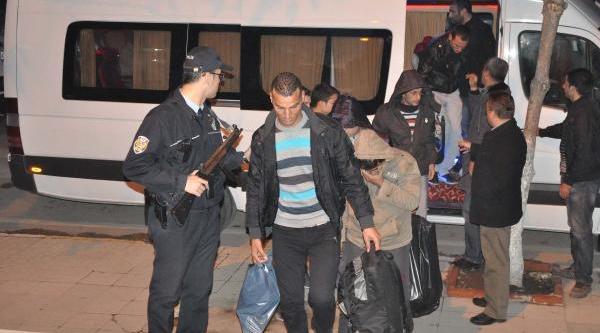 Keşan'da Suriyeli 26 Kaçak Yakalandi