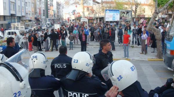 Keşan'da Uyuşturucu Operasyonu, Şüpheli Yakınları Polise Saldırdı