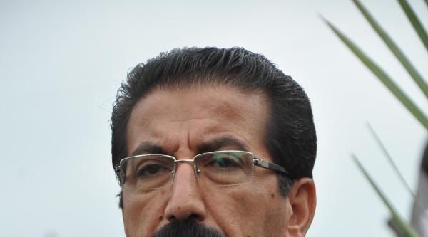 Kesk Genel Başkanı Özgen, Soma'da Madenci Heykeline Karanfil Bıraktı