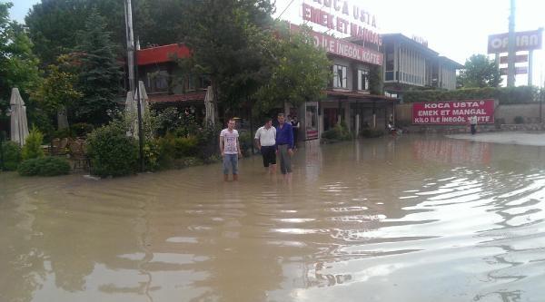 Kestel'e 45 Dakikada 65 Kilogram Yağış Düştü (2)