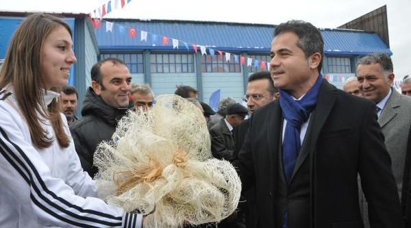 Kiliç: Hala Atatürk Olimpiyat Stadi'nin Borcunu Ödüyoruz