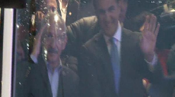 Kılıçdaroğlu Ayrıldı, Başbakan Geldi