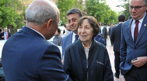 Kılıçdaroğlu Cumhuriyet Gazetesi Resepsiyonuna Katıldı