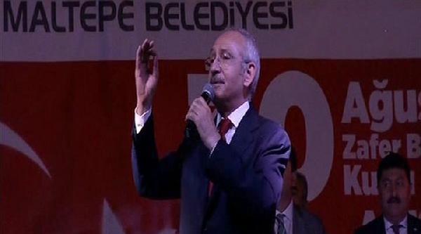 Kılıçdaroğlu Maltepe'de 30 Ağustos Kutlamalarına Katıldı