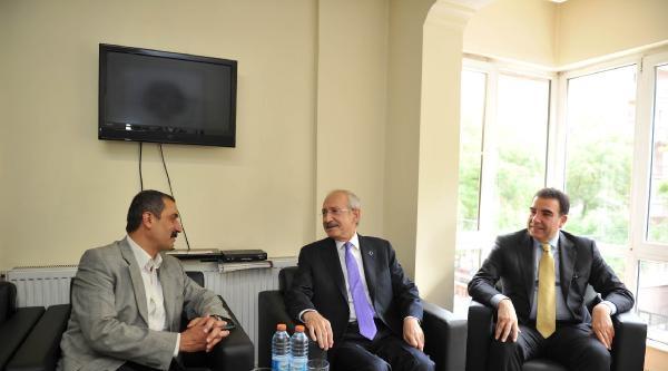 Kılıçdaroğlu, Mazlumder Genel Merkezini Ziyaret Etti