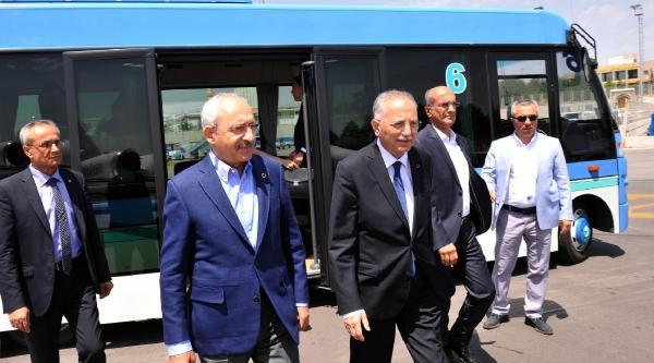 Kılıçdaroğlu Ve İhsanoğlu Havalimanında Karşılaştı