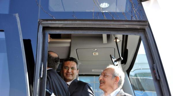 Kılıçdaroğlu'ndan Otobüste Brifing