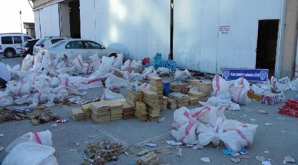 Kilis'te Kaçakçılık Operasyonu: 2 Gözaltı