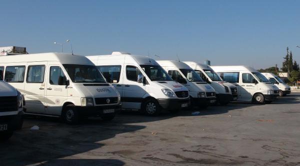 Kilis'te Minibüs Şoförleri Kontak Kapattı