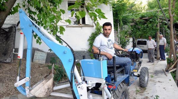 Kimya Mühendisi, Çapa Makinesini Mini İş Makinesine Çevirdi