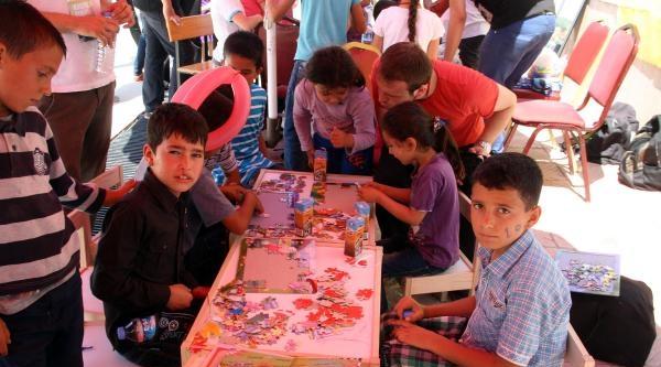 Kınık'ta Maden Şehitlerinin Çocuklarina Sevgi Eli