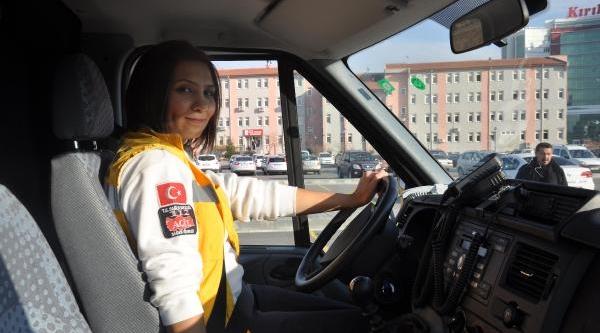 Kirikkale'de 112 Acil Ambulansinda Kadin Sürücü Dönemi