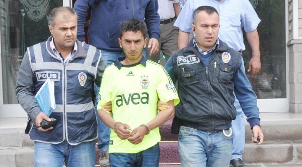 Kırıkkale'de 2 Kadının Çantasini Alan Kapkaççı Yakalandı