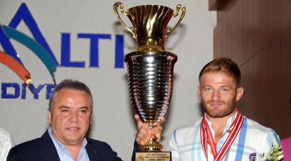 Kırkpınar İkincisi Balaban Kupasını Getirdi