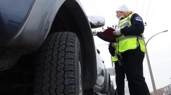 Kiş Lastiği Takmayan Otomobile 77 Lira Ceza
