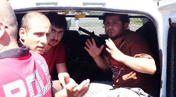 Kitap Fuarı'nda İki Grup Kavga Etti:  2 Gözaltı