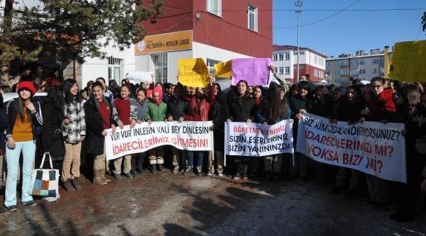 Kiz Meslek Lisesi Öğrencilerinden 'öğretmen' Eylemi