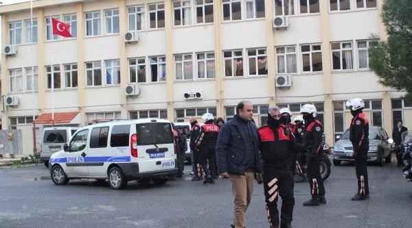Kiz Öğrencileri Biçaklayan Saldirgan Yakalandi