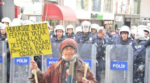 Kızılay'a Yürümek İsteyen Gruba Polis Müdahalesi (2)