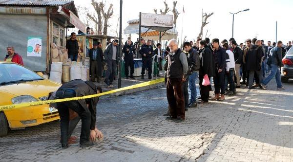 Kizina Tecavüz Eden Saniği Sokak Ortasinda Öldürdü