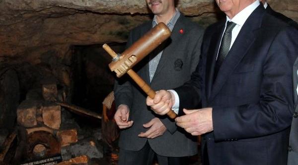 Kktc Cumhurbaşkani Eroğlu, Gaziantep'in Tarihi Yerlerini Gezdi