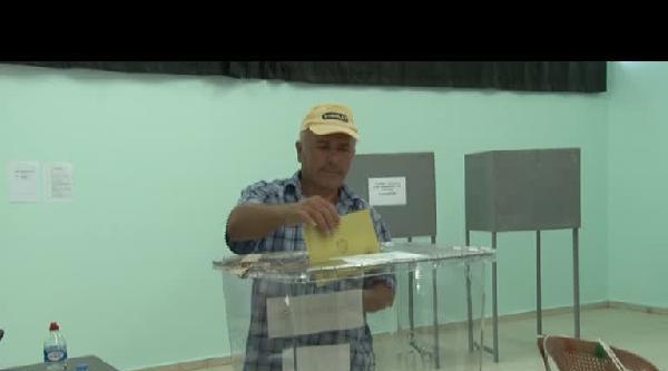 Kktc'de De Oy Verme Başladı