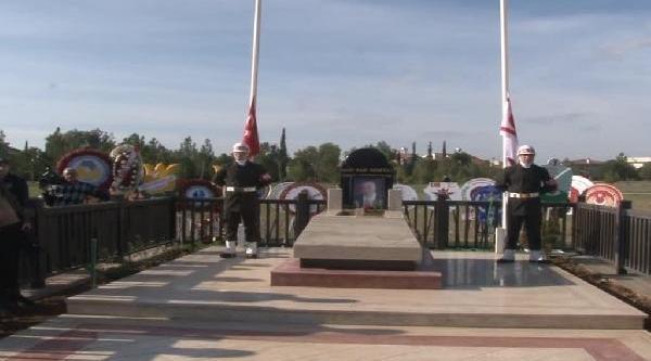Kktc'nin Kurucu Cumhurbaşkani Denktaş, Ikinci Ölüm Yildönümünde Aniliyor