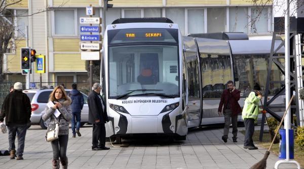 Kocaeli Büyükşehir Belediyesi'nden Tramvay Projesi