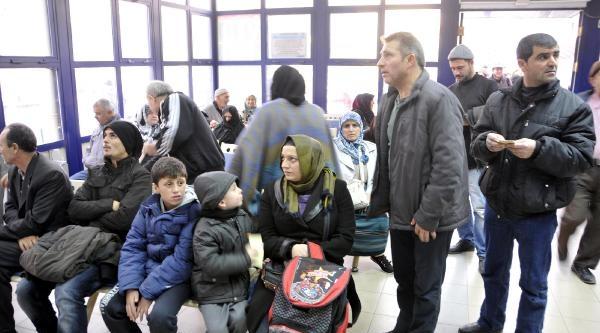 Kocaeli Devlet Hastanesi Soğuk Alginliği Hastalariyla Dolup Taşti