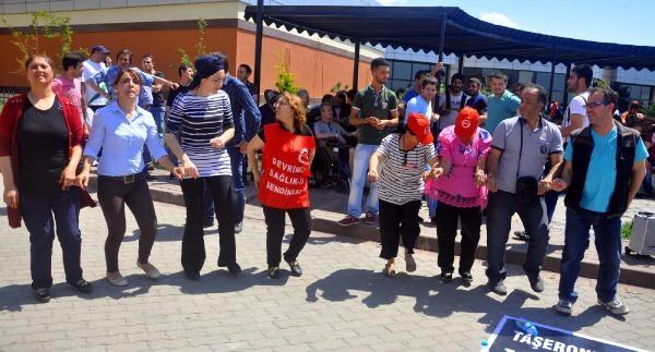 Kocaeli Üniversitesi Hastanesi'nde Taşeron Sağlık Çalişanlari Topluca  İşi Bıraktı