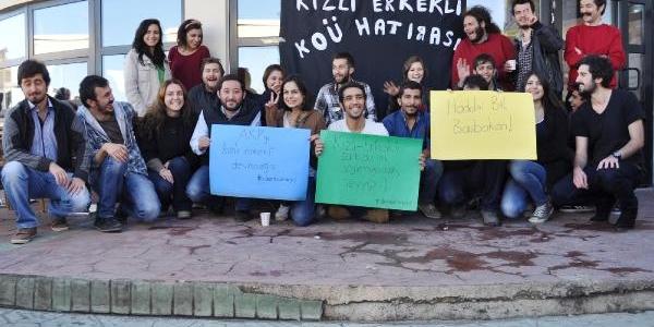 Kocaeli Üniversitesi Öğrencilerinden 'kizli Erkekli' Hatira Fotoğrafiyla Protesto
