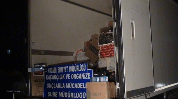Kocaeli'de Tır'da Kaçak Sigara Ve Uyarıcı Hap Ele Geçti
