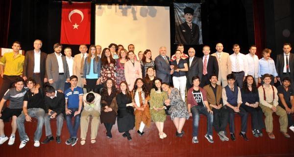 Kocaeli'de Tiyatro Festivali 'nde Liselilere Ödül